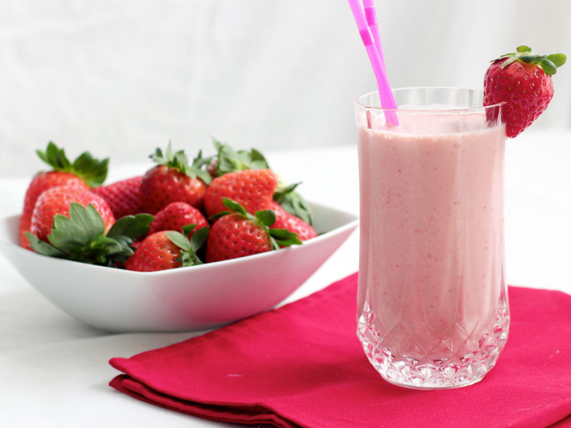 OXYGN巧克力牛油果草莓奶昔