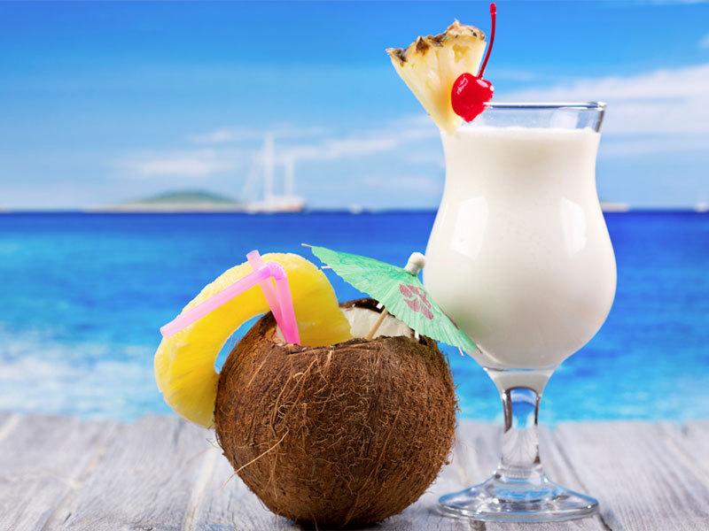OXYGN更健康的热带味道:新鲜的椰林飘香(Pina Colada)奶昔