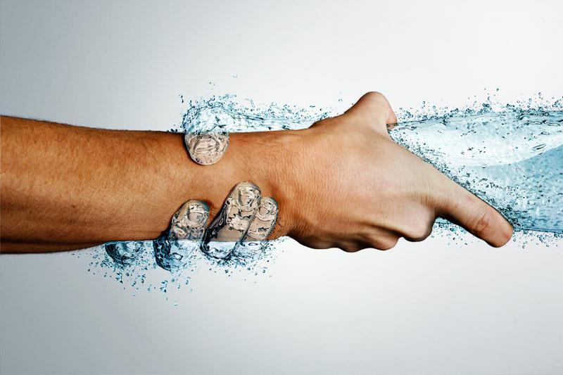 OXYGN获得水分,获得生产力:水如何帮助你在工作中的表现