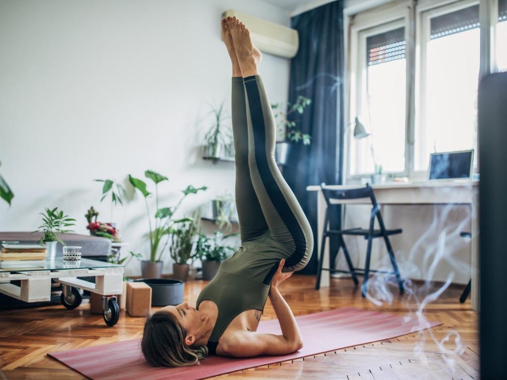 OXYGN五个步骤教你调整姿势加强前屈能力!