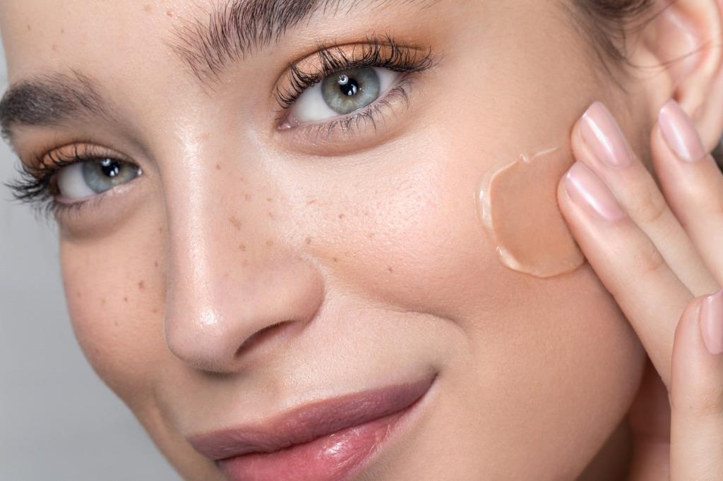 OXYGN选对了化妆工具,底妆服贴一整天
