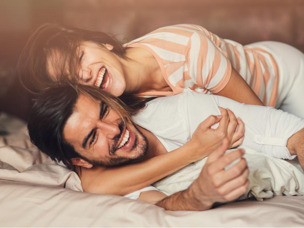 OXYGN当发现伴侣在床上的表现其实是自私的,要怎样沟通?